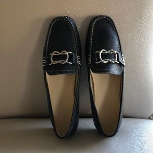 Nine West black loafers silver toggles like new